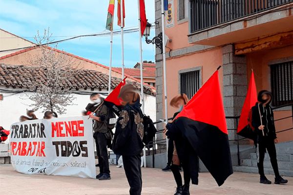 """Crónica de la concentración del 27 de marzo: """"Trabajar menos, trabajar todxs"""""""